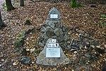 Hluboká (Kdyně) - Kněžská hora, pomník leteckého neštěstí obr01.jpg