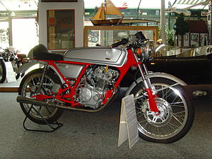 Honda Dream 50 02.jpg