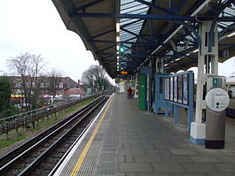 Hounslow Central westbound.JPG