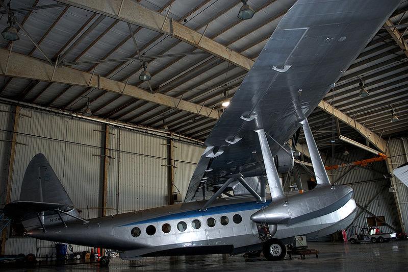 File:Howard R Hughes S-43 Sikorsky.jpg - Wikimedia Commons