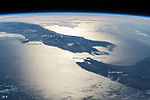 ISS-42 New Zealand in Sunglint, annotated.jpg