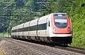 InterCity-Neigezug am Bözberg - Südrampe.jpg