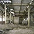 Interieur, overzicht van een ruimte in de fabriekshal - Maastricht - 20385944 - RCE.jpg