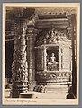 Interieur van de Vimala Vasahi tempel, onderdeel van de Dilwara tempel in Mount Abu Mount Aboo. Detail of Interior Jain Temple, RP-F-F02519.jpg