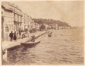 Büyükdere, Sarıyer - Quay of Bütükdere photographed by Abdullah Brothers in 1895.