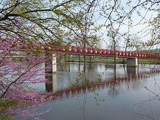 Indiana University South Bend - Image: Iusb bridge