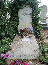 Jacques Demy et Agnès Varda tombe.jpg