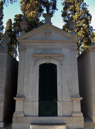 Fontes Pereira de Melo - Tomb of the Fontes Pereira de Melo family at Prazeres Cemetery
