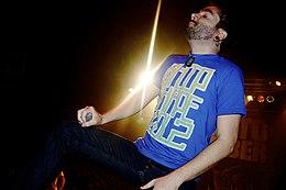 Il cantante Jeremy McKinnon durante un concerto nel 2007