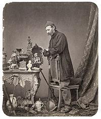 Johann Bauer Antiquitätenhändler.jpg