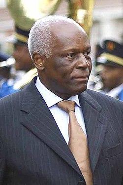José Eduardo dos Santos 2.jpg