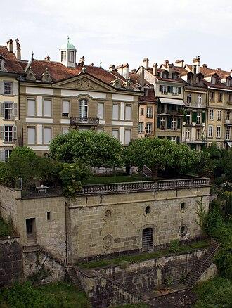 Junkerngasse - The riverside terrace of the Béatrice-von-Wattenwyl-Haus.