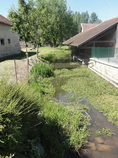 Juvincourt-et-Damary (Aisne) La Miette avec lavoir