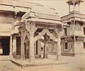 KITLV 92142 - Samuel Bourne - Temple Complex in Fatehpur Sikri in India - Around 1870.tif