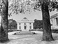 Kasteel in het Bois de Boulogne, Bestanddeelnr 252-1593.jpg
