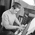 Katwijk aan Zee Jonge zeer begaafde organist Dick van Rijn uit aan het orgel va, Bestanddeelnr 912-3596.jpg