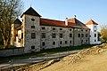 Klagenfurt Schloss Welzenegg Nordansicht 11042009 44.jpg