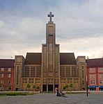 Kostel Božského srdce Páně crop.jpg