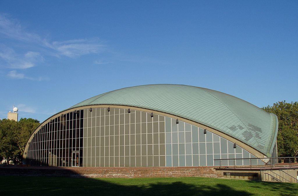 File:Kresge Auditorium, MIT (view with Green Building).JPG ...