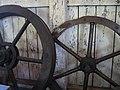 Kronhjul som andvändes att tillverka tågvirket.JPG