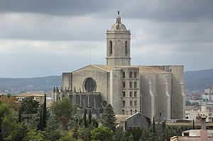 Girona Cathedral - The cathedral with the lower Tower of Charlemagne, characterized by mullioned windows.