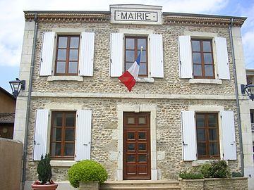 La mairie de Chanos.jpg