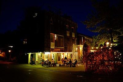Latour-bei-nacht.jpg