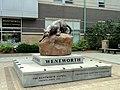 Leopard sculpture - Wentworth Institue of Technology - DSC09920.JPG