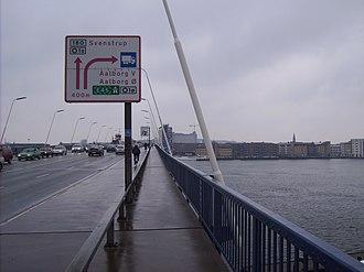 Limfjordsbroen - Entering Aalborg from the Limfjordsbroen.