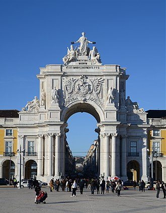 Rua Augusta Arch - The arch seen from Praça do Comércio