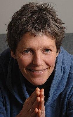 Liv Arnesen Portrait.jpg