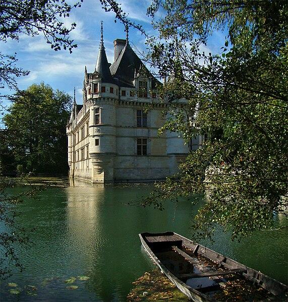 Château d'Azay-le-Rideau, Indre-et-Loire, Centre, France. Garden view.