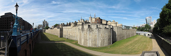 London Tower01 2015-06-25.jpg