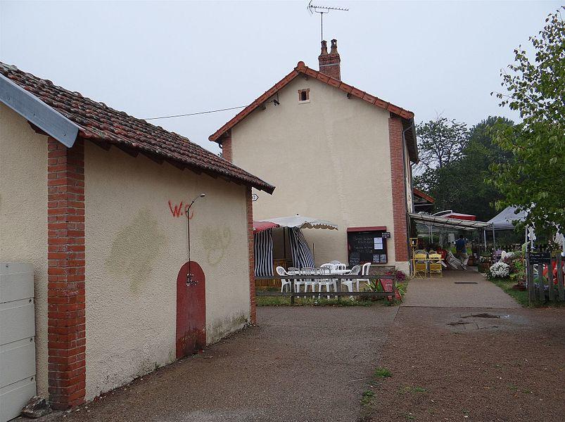 """L'ancienne gare du """"tacot du Morvan"""" ligne de Corbigny à Saulieu. Lormes, Nièvre, France."""