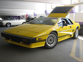 Lotus Esprit Turbo (803368136).jpg