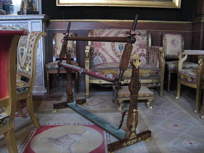 fichier m tier broder de marie louise malmaison 2302. Black Bedroom Furniture Sets. Home Design Ideas