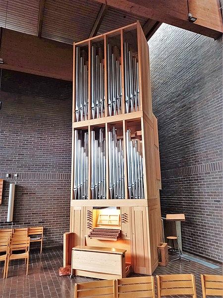 Datei:München-Neuperlach, Lätarekirche (WRK-Orgel) (2).jpg