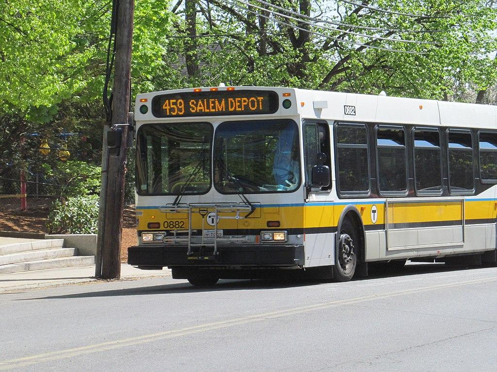 File Mbta Route 459 Bus On Loring Avenue May 2015 Jpg