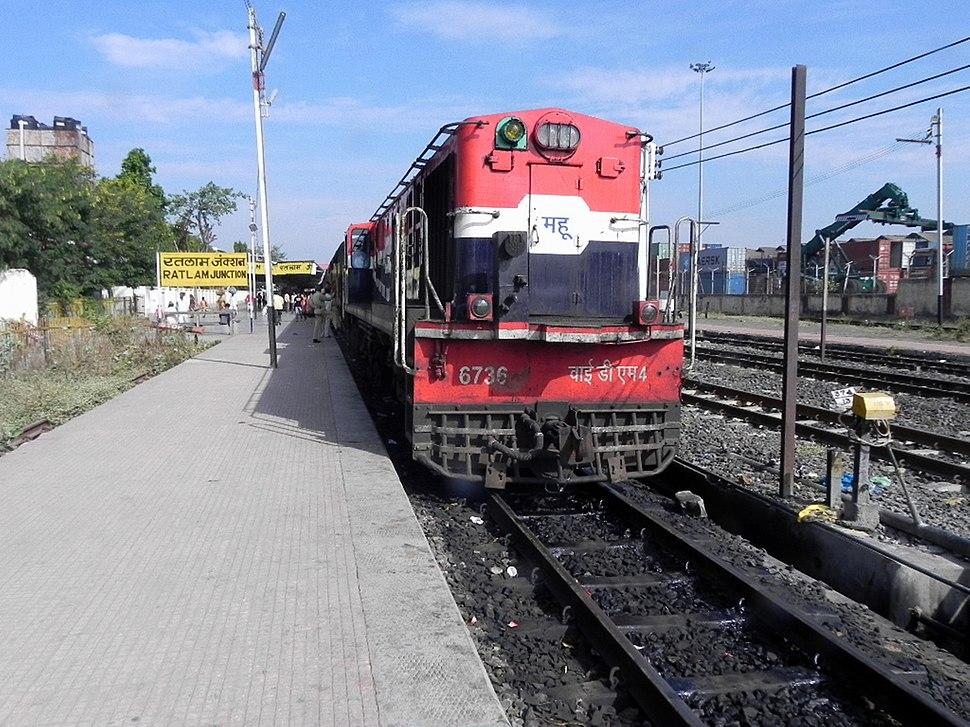MHOW based YDM-4 loco with 52957 (Ratlam-Mhow) Passenger
