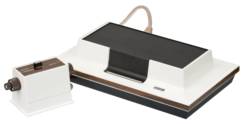 Magnavox-Odyssey-Console-Set.png