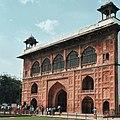 Main entrance gate before we see the Diwan-i-Aam.jpg