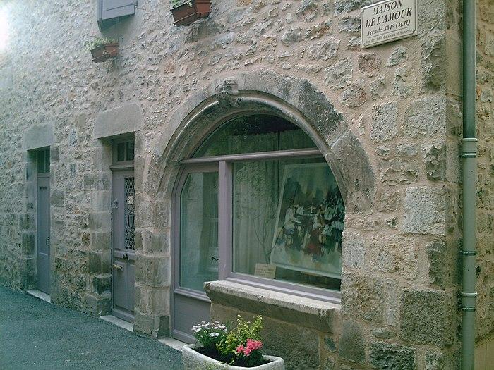 maison de l 39 amour monument historique saint antonin noble val myopenweek. Black Bedroom Furniture Sets. Home Design Ideas