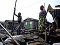 Makoko auf dem Wasser (5208471797).jpg