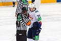 Malkin zalupaetsa 2012-10-08 Amur—Metallurg Magnitogorsk KHL-game.jpeg