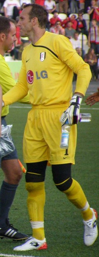 Mark Schwarzer - Schwarzer playing for Fulham in 2009