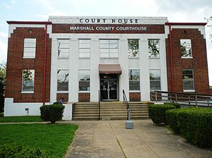 Albertville, Alabama - Image: Marshall County, Alabama Courthouse