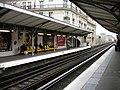 Metro Paris - Ligne 6 - station Passy 04.jpg