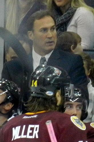 Mike Foligno - Image: Mike Foligno coaching
