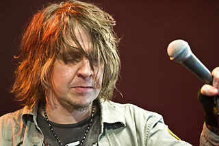 Mike Williams (singer) American singer and magazine editor