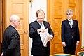 Ministru prezidents Valdis Dombrovskis tiekas ar Igaunijas ārlietu ministru Urmasu Paetu (6886275715).jpg
